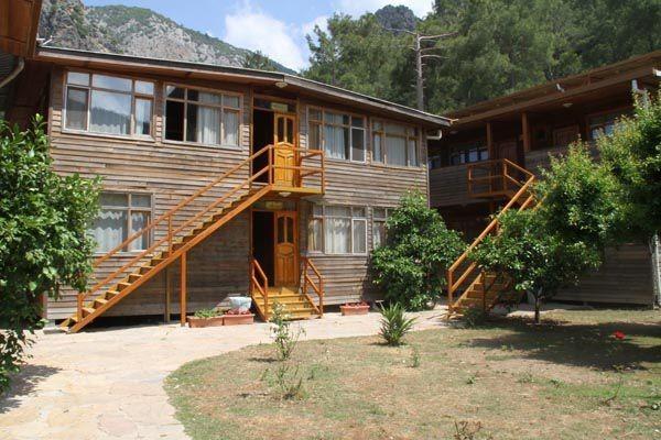 Olimpos Türkmen Ağaç Evleri