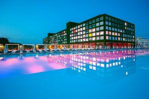 Adam-Eve-Hotel-020